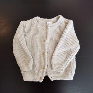 5/25$ Sweater h&m organic cotton Size 6-9 M